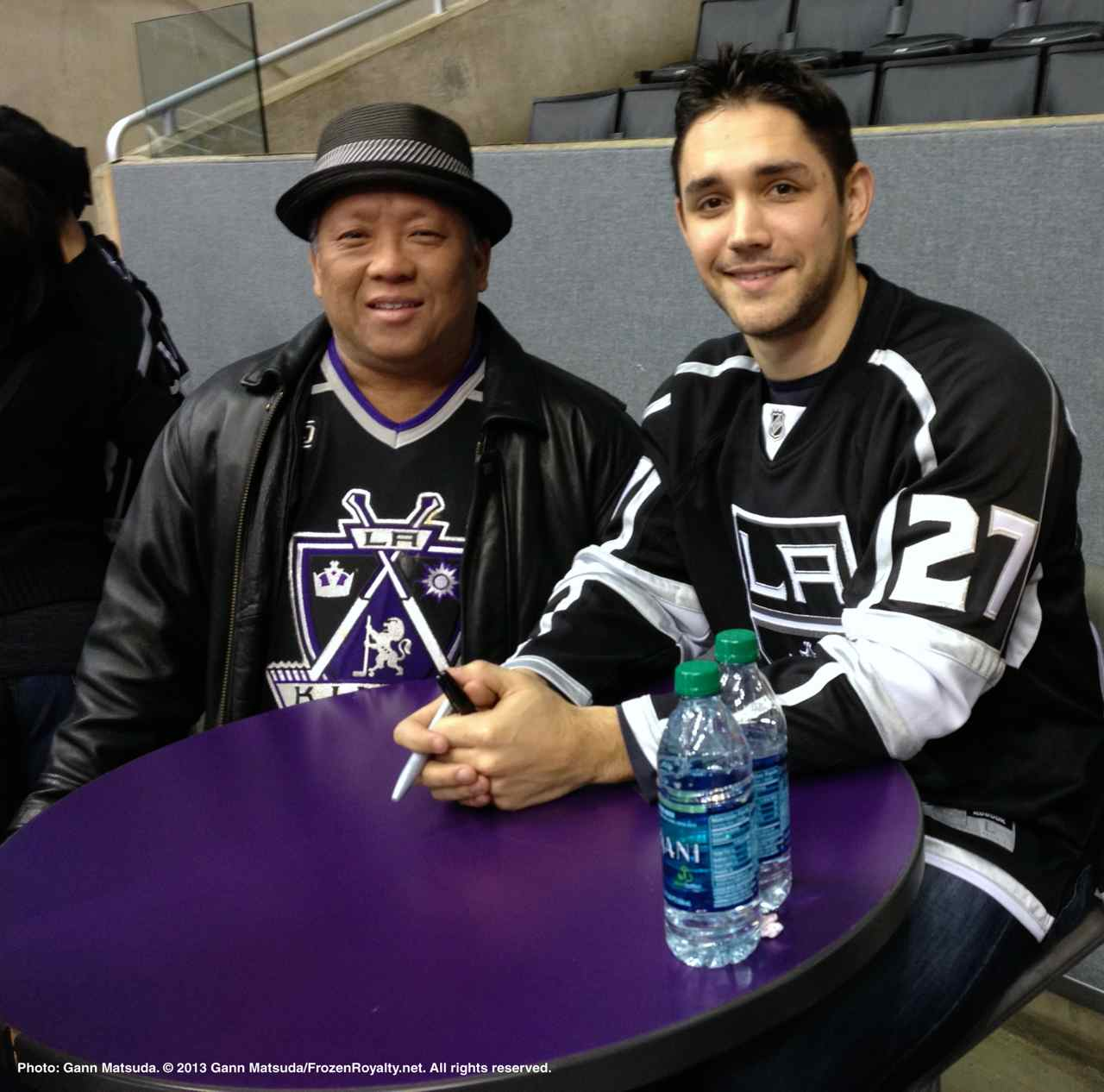 los angeles kings fans get to meet the players  u2013 photo essay