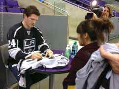 LA Kings Meet The Players-H20 - 4493