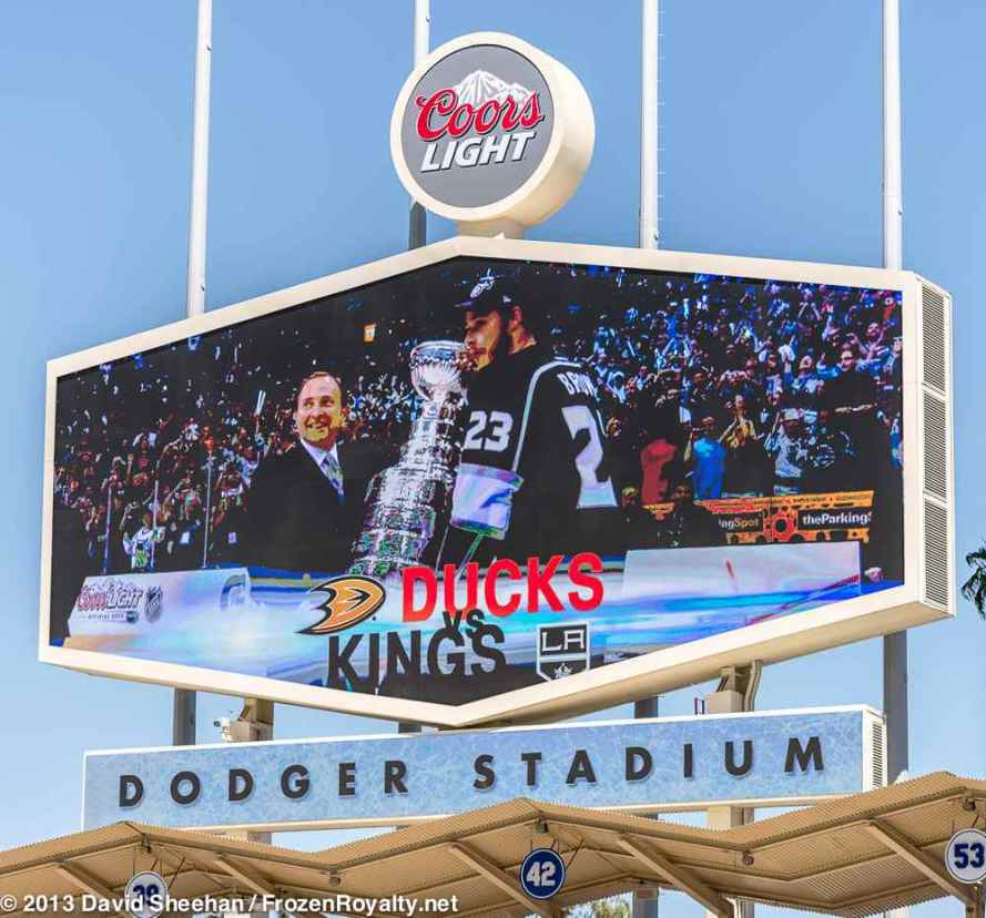 Promotional video for the 2014 NHL Stadium Series being shown on scoreboard