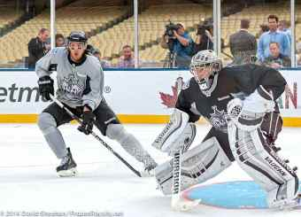 buy popular 88e63 329b2 2014 Stadium Series Los Angeles: LA Kings, Anaheim Ducks ...