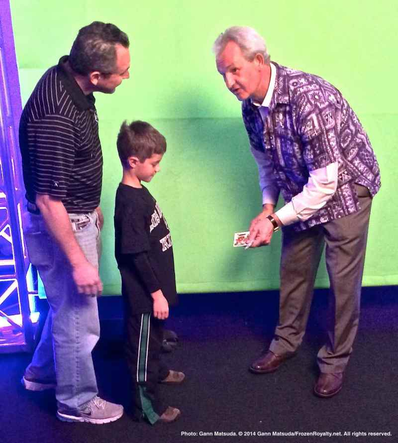 Head Coach Darryl Sutter greets a young fan