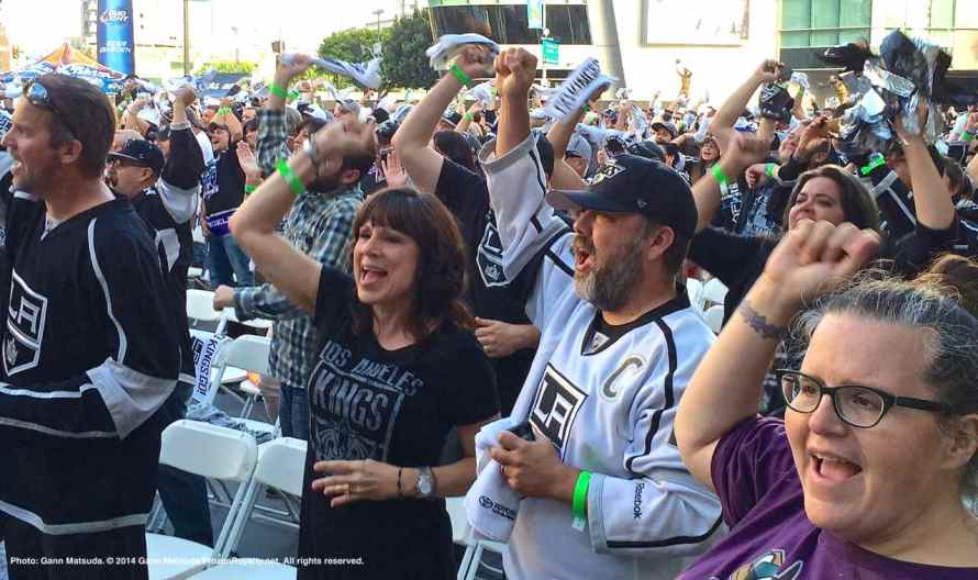 Reaction to Mike Richards' goal at 17:14 of the second period.