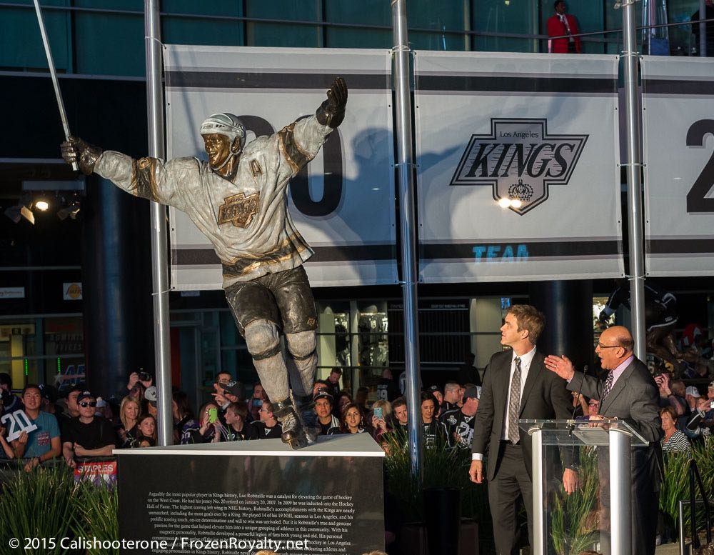 Left Right And Center >> Frozen Royalty Video: LA Kings Luc Robitaille Reacts To Statue Unveiling