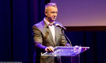 Los Angeles Kings Vice President/General Manager Rob Blake addresses the crowd
